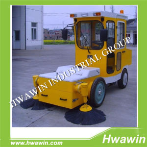 Hot Selling City Road Ride-on Diesel Fuel Road Sweeper pictures & photos