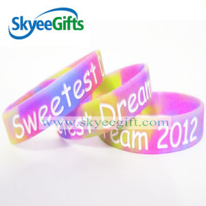 Debossed with Soft Enamel Colorfill Silicone Bracelet/Wristband pictures & photos