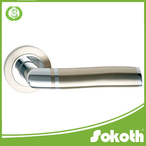 Chrome Lever European Design Nice Door Handle on Rose pictures & photos