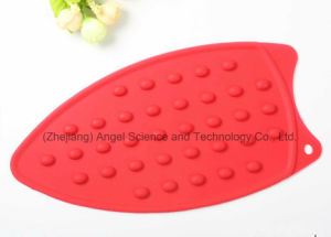 Promotional Heat Insulation Silicone Rubber Iron Mat Sm38 pictures & photos