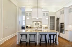 American Style White Kitchen Cabinets (w26) pictures & photos