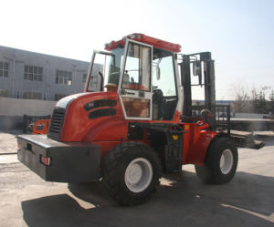 5500kg 4WD off Road Diesel Pallet Forklift Truck with Ce pictures & photos