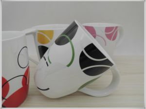 Simple Color Cylindrical Ceramic Cup pictures & photos
