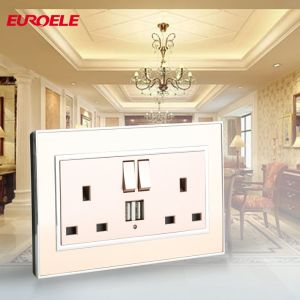 British Standard Two Gang Switched 13A Socket with USB pictures & photos