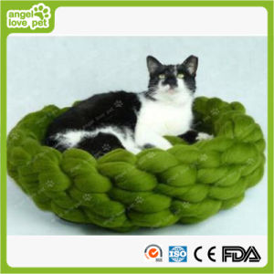 Handmade Woven Wool Line Pet Bed pictures & photos