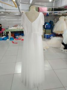 Simple White Sheath Wedding Dress with Beading Wraps pictures & photos