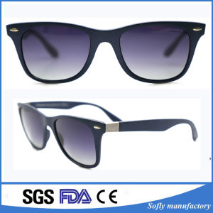 China OEM Factory Calssic Vintage Girls Fashionable Women Sunglasses pictures & photos