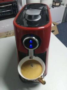Compact Size Kitchen Appliances Espresso Capsule Coffee Machine pictures & photos