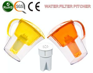 Qqf-02 Portable Colorful Plastic Water Jug with Filter pictures & photos