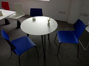 Hot Sale ANSI/BIFMA Standard 2-3 People Dining Table and Chair pictures & photos