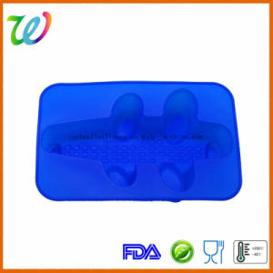 Factory Wholesale FDA LFGB Approved Silicone Dinosaur Cake Pan pictures & photos