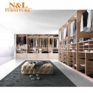 Modern Bedroom Wooden Sliding Door Wardrobe pictures & photos