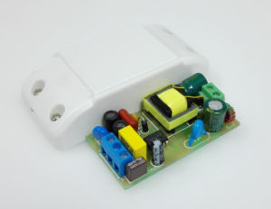 12W 300mA Isolated LED Power Supply with 0.95 Pfc and CE/EMC pictures & photos