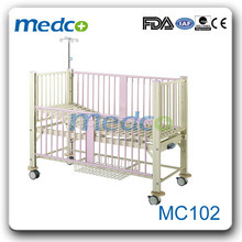 Single Crank Children Hospital Nursing Bed pictures & photos
