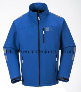 Men′s Softshell Jacket Waterproof Workwear with Reflective Tapes pictures & photos
