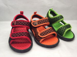 Kid′s Beach Sandals with Fashion Color pictures & photos