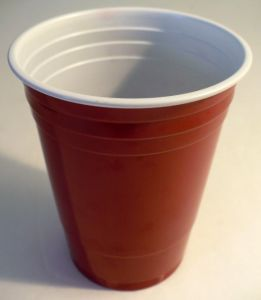 Custom Printed Plastic Red Cup with High Quality pictures & photos