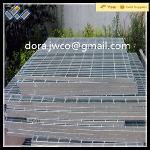 Professional Steel Grating Manufacturer Iron Material Hot Galvanized Steel Grating pictures & photos
