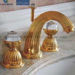 Golden 3 Way Basin Faucet Mixer pictures & photos