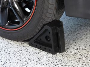 Black Small Car Rubber Wheel Chock, Rubber Wedge, Wheel Chocker pictures & photos