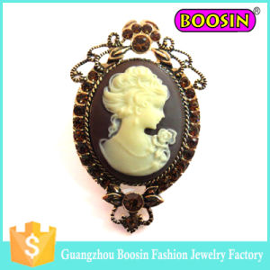 China Wholesale Crystal Metal Vintage Gold Cameo Brooch for Dress pictures & photos