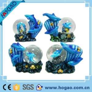 Polyresin Snow Globe with LED Light (hg177) pictures & photos