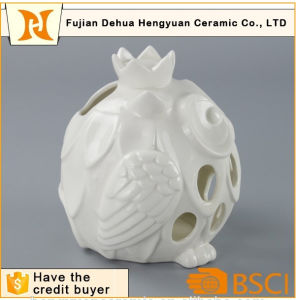 White Ceramic Hollow out Ceramic Owl Candle Holder pictures & photos