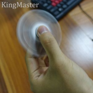 King Master 2017 New Hand Fidget Spinner pictures & photos