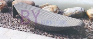 Leaf Shaped Beach Side PE Rattan Chaise Lounge pictures & photos
