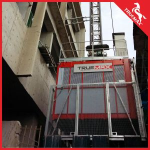 Truemax Brand Twin Cage Sc200/200tdv Construction Hoist with Painting Mast Section