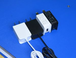 5V1a 6V1a 12V500mA Wall-Mounted Power Adapter with UL, GS, Ce, FCC Approved pictures & photos