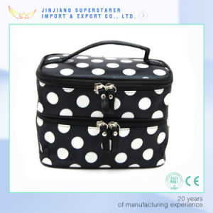 Quanzhou Factory Nice White DOT Makeup Cosmetic Bag for Women pictures & photos