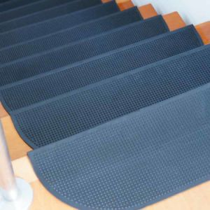 Self Adhesive Outdoor Anti Slip Non Skid Rubber Step Tread Stair Rugs pictures & photos