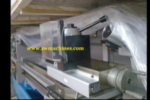 Conventional Lathe with CE Approved (LC41Y/46Y/51Y/56Y) pictures & photos