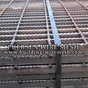 Black Serrated Grating / Welded Steel Bar Grating pictures & photos