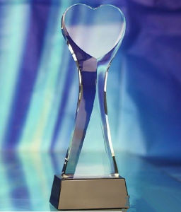 Hot Sale Heart Shape Crystal Trophy&Award pictures & photos