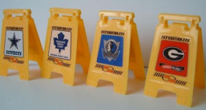 Mini Promotional Plastic Sign pictures & photos
