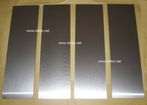 99.95% Pure Molybdenum Sheet (polished surface) pictures & photos