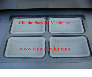 Vacuum Plastic Tray Packing Sealing Machine pictures & photos