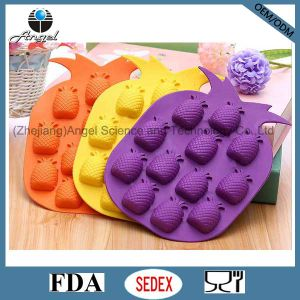 Hot Sale Silicone Fruit Ice Mold Cube Tray Chocolate Tool Si06 pictures & photos