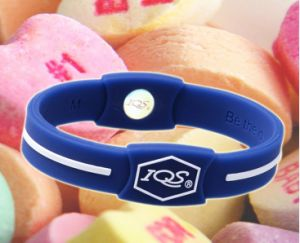 2016 Hot Sell Bracelet Fashion Silicone Rubber Wristbands pictures & photos