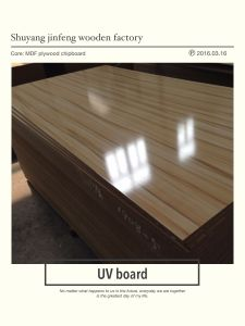 ISO9001: 2008 Furniture Grade Solid Wood Grain Color 100% Poplar 1220*2440mm Melamine MDF Board High Gloosy UV Board pictures & photos