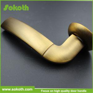 Gold Aluminum Door Lever Handle pictures & photos
