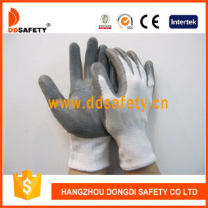 Grey Nitrile Coated Cut Resistant Glove Dcr117 pictures & photos