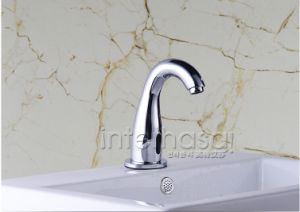 Deck-Mounted Bathroom No Handle Toilet Automatic Tap Sensor Intelligent Brass Faucet pictures & photos