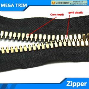 Corn Teeth Gold Plastic Zipper pictures & photos