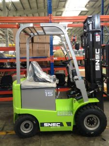 Electrick Forklift 1500 Capasity with Triplex Mast pictures & photos