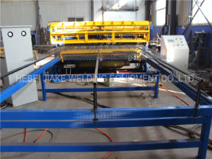 CNC Welded Wire Mesh Fence Machine pictures & photos