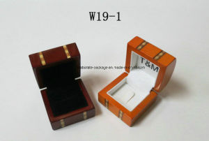 High Gloss Luxury Fashion Wooden Jewelry Packing Box pictures & photos