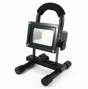 Outdoor Spot Lamp 10W LED Rechargeable Floodlight with USB Socket pictures & photos